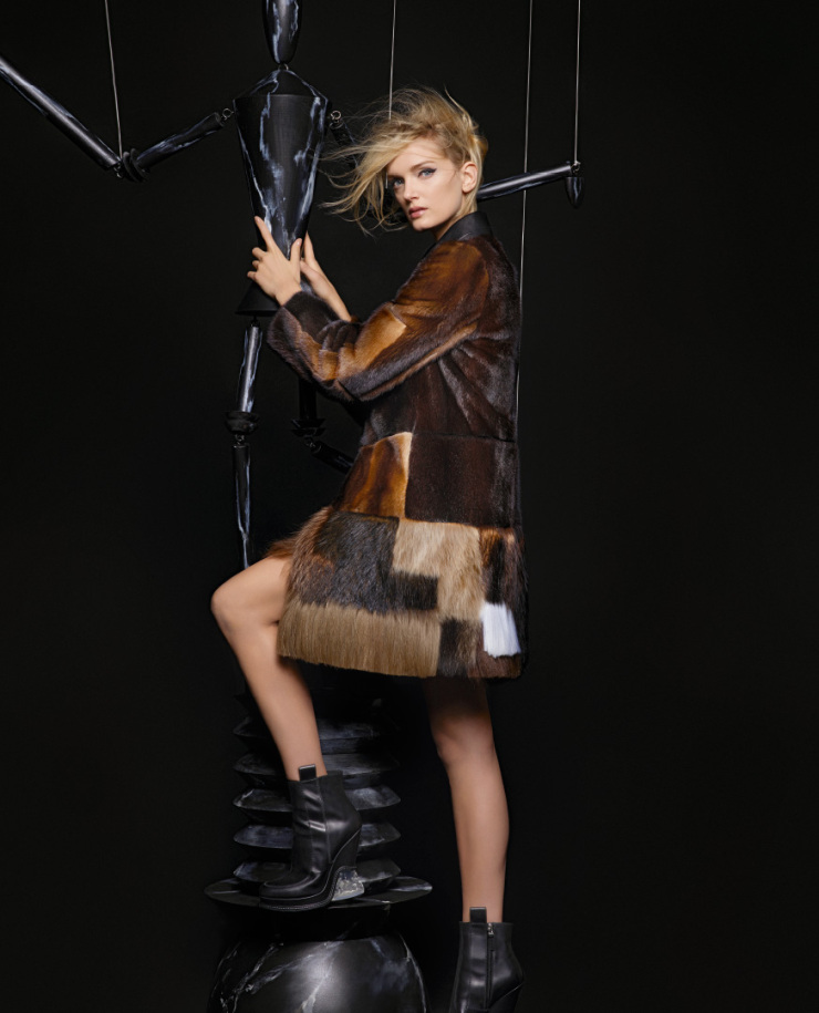 lily-donaldson-kendall-jenner-by-karl-lagerfeld-for-fendi-fall-winter-2015-2016-11